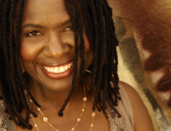 "Ruthie Foster performs ""Aim For The Heart"""