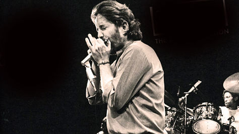 http://thebluesmobile.com/wp-content/uploads/2014/04/paul-butterfield-080313.jpg