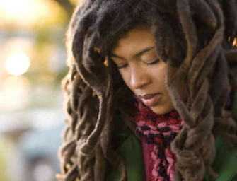 Valerie June Joins Elwood on the Radio Show