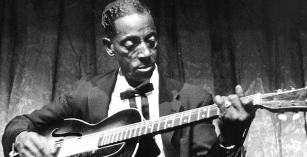 http://thebluesmobile.com/wp-content/uploads/2015/01/APPCROP_Fred_McDowell_t607.jpg