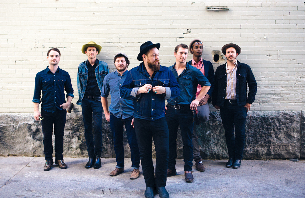 http://thebluesmobile.com/wp-content/uploads/2015/09/Nathaniel+Rateliff+and+The+Night+Sweats_PhotoCredit_Malia+James_BandGeneral3.jpg