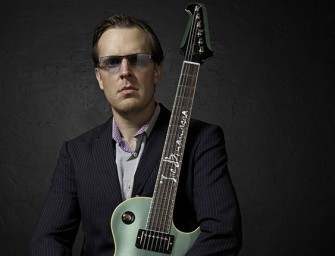Joe Bonamassa joins Elwood in The BluesMobile!