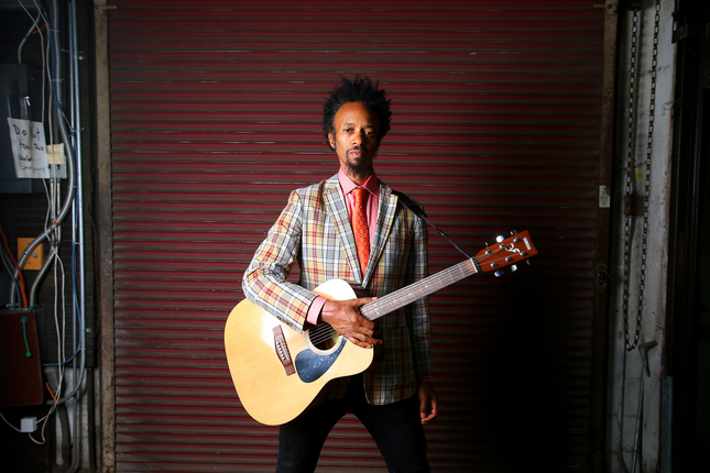 http://thebluesmobile.com/wp-content/uploads/2015/12/20150808__negrito-1.jpg