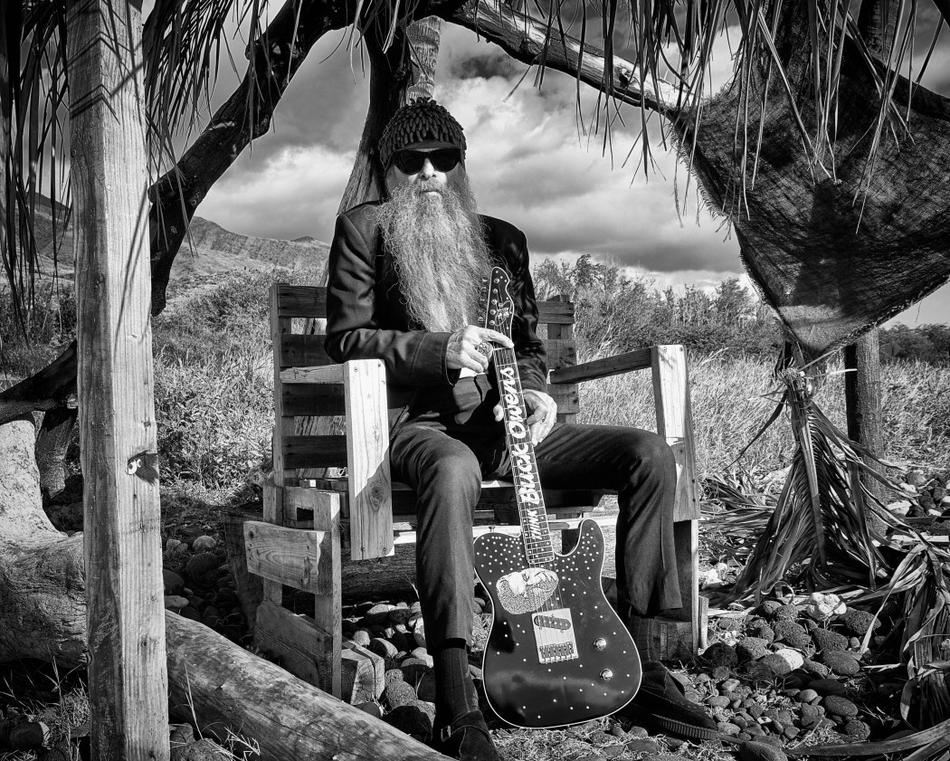 http://thebluesmobile.com/wp-content/uploads/2016/01/A_Billy_Gibbons_in_Hawaii_Photo_by_Blain_Clausen-1050x841.jpg