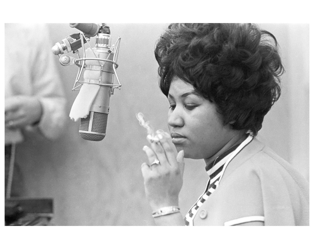 http://thebluesmobile.com/wp-content/uploads/2016/04/aretha_franklin-1050x833.jpg