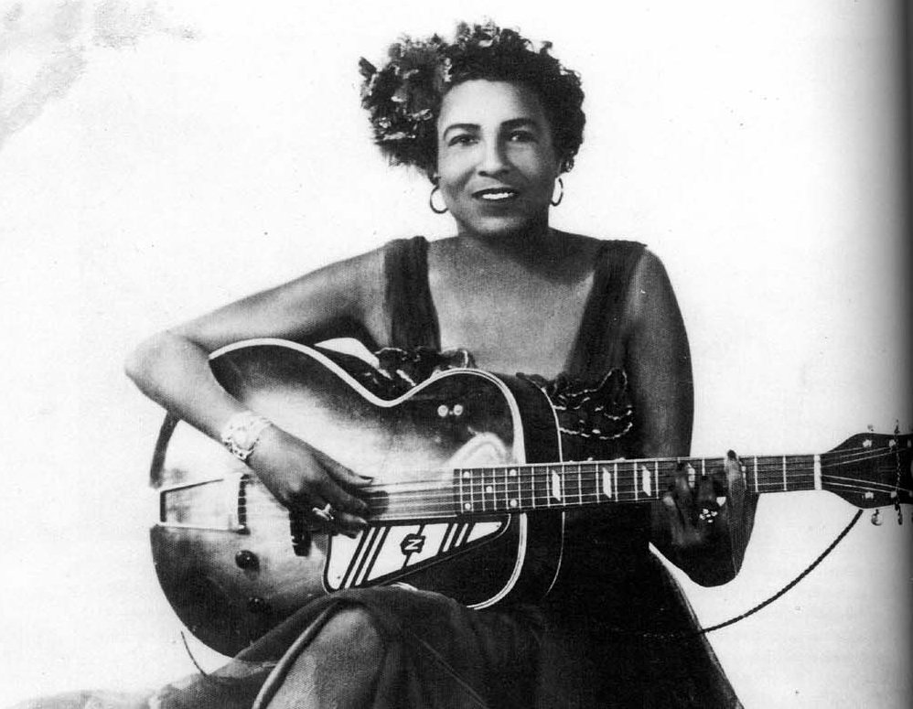http://thebluesmobile.com/wp-content/uploads/2016/04/memphis-minnie.jpg